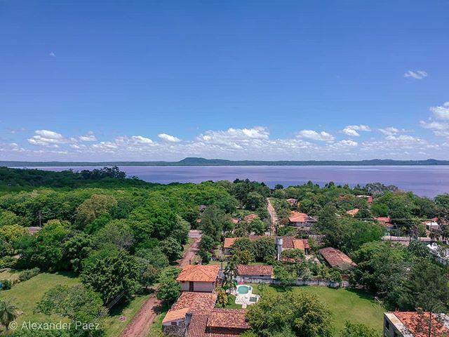Un #cumpleaños desde las alturas. Gracias a todos por hacerlo una jornada tan especial. #Paraguay #lagoypacarai #landscape